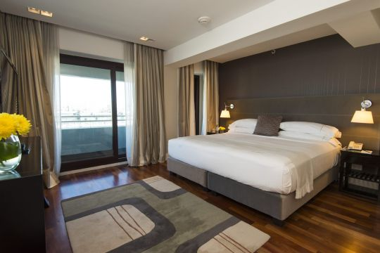 Upper City View, rooms on Executive Floors with city view.